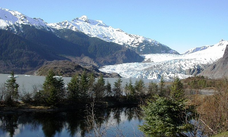 Alaska Residents Face Sudden Flood Surges at Mendenhall Glacier