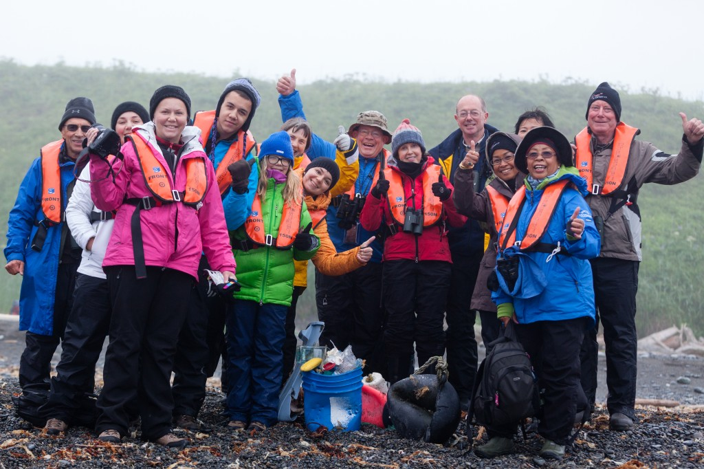 WWF travelers to Alaska embraced a challenge to collect trash. © WWF-US/Elisabeth Kruger
