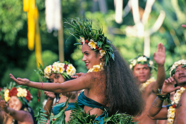 Traditional Tahitian dancing, culture