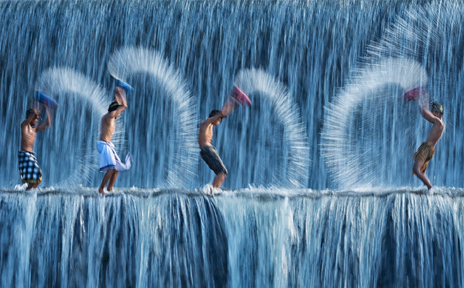 Travel Photographer of the Year, children playing in water