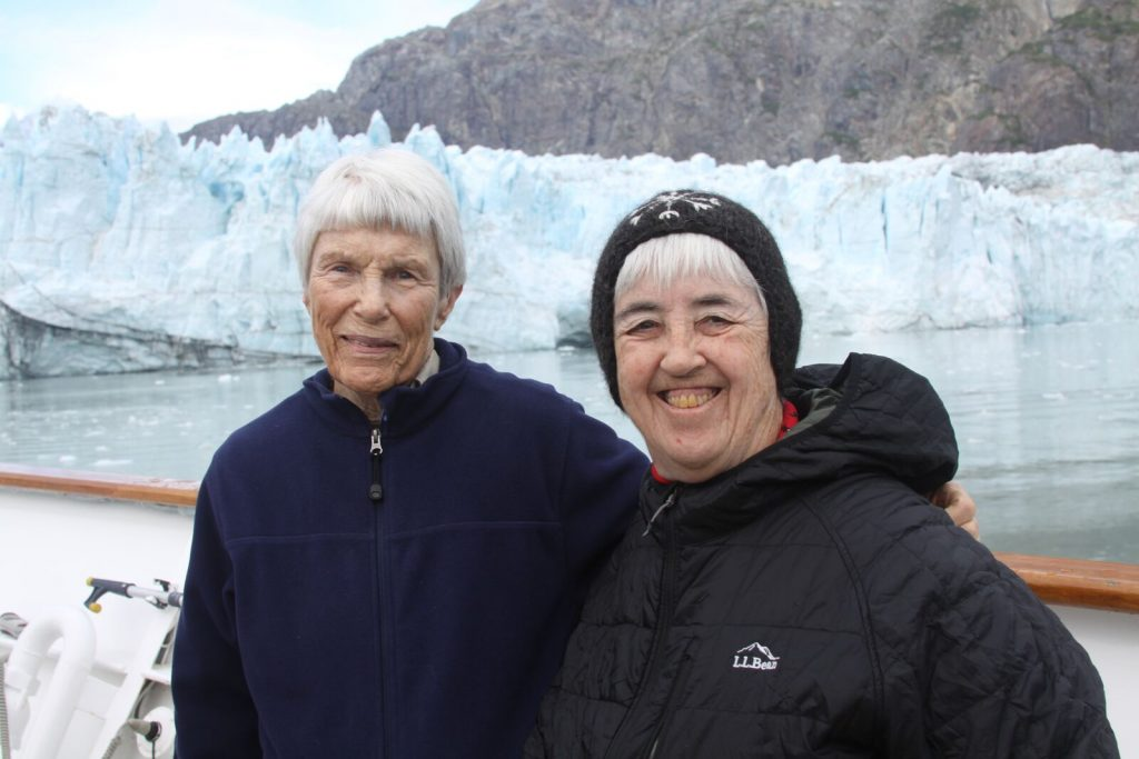 Leslie (left) and Mary Jane at Glacier Bay National Park and Preserve on Aug. 11, 2016. © Diane Quigley/WWF-US