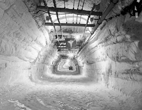 "A film on the base stated, ""below the surface of a giant ice cap, a city is buried."" It was abandoned in 1967, when the army realized the tunnels wouldn't last. ©U.S. Army"