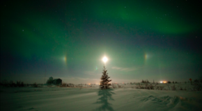 Dawn of the North: Of Auroras and Moons in Churchill