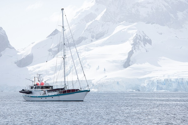 Sailing Antarctica on the S/V Australis